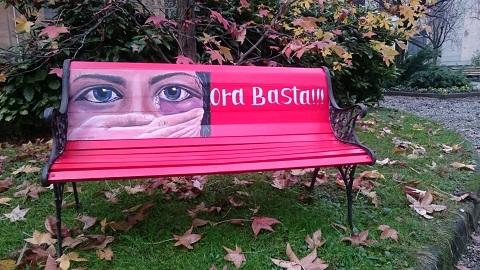 Panchina rossa contro violenza sulle donne